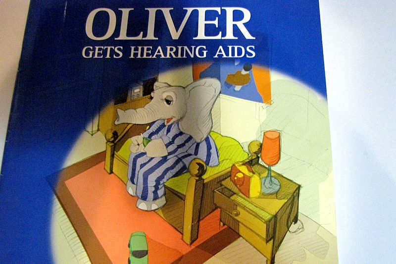 Hearing aid cookie book Oliver