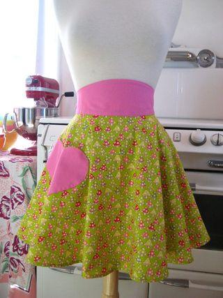 Boojiboo half apron