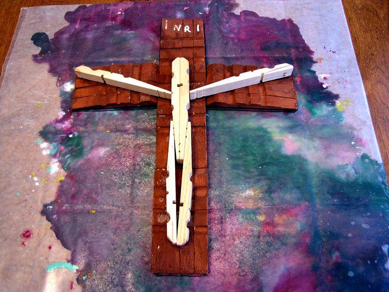 Crayon cross wood cross