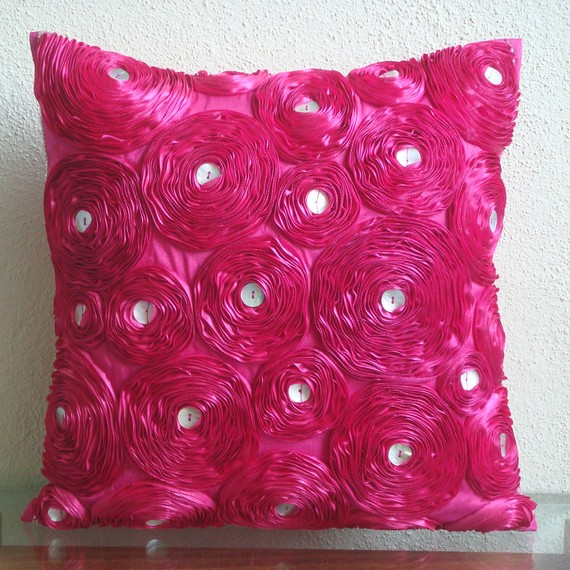 Pounce fuschia pillow cover