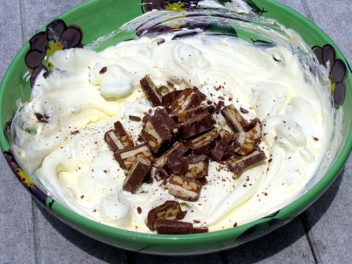 Snickers salad candy in pudding cool whip