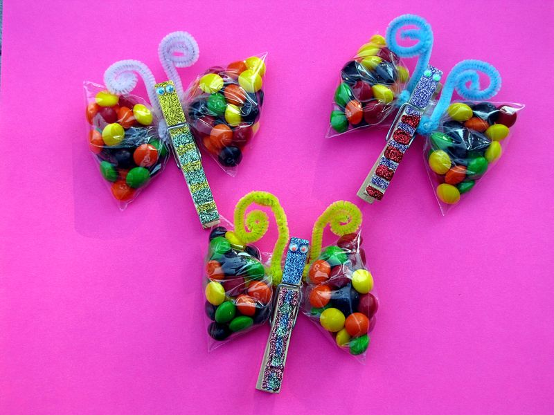 Rainbow skittles butterfly party favor 3