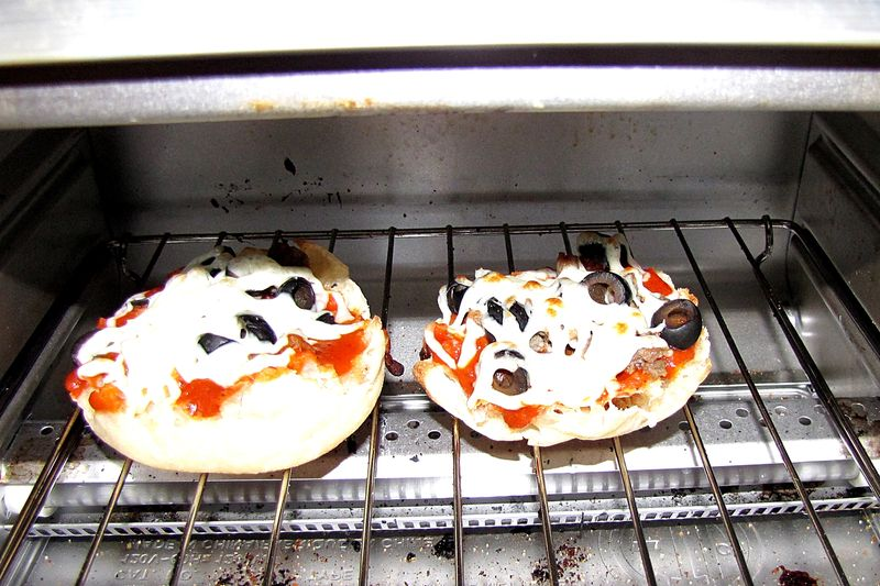 English muffin tin pizza in toaster oven
