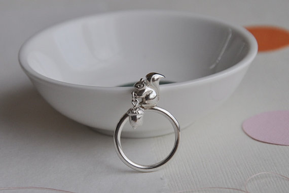 Acorn squirrel ring from Twinklebird